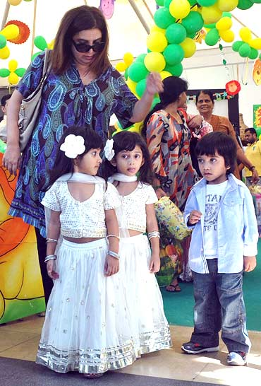 Farah Khan with kids