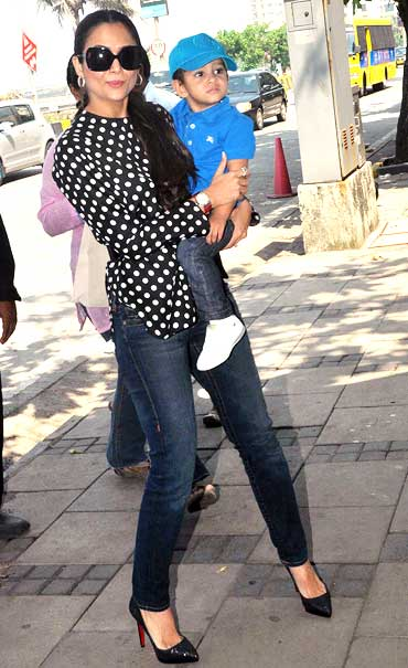 Amrita Arora Ladak with son Azaan