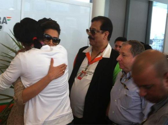 Shah Rukh Khan, Deepika Padukone, Subrato Roy and Jean Todt