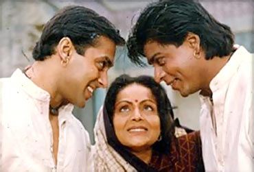 Salman Khan, Rakhee and Shah Rukh Khan in Karan Arjun