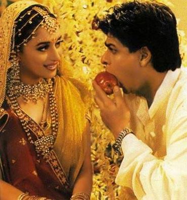 Madhuri Dixit and Shah Rukh Khan in Hum Tumhaare Hain Sanam