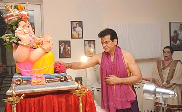 Jeetendra and wife Shobha