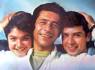 Pooja Bhatt, Naseeruddin Shah and Atul Agnihotri in Sir