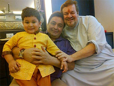 Rishi Kapoor with Nitin Mukesh and his grandson
