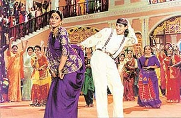 Madhuri Dixit and Salman Khan in Aapke Hain...Koun