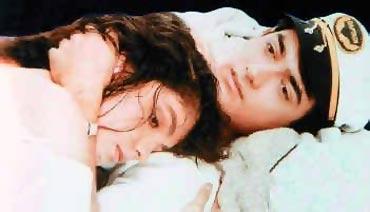 Pooja Bhatt and Aamir Khan in Dil Hai Ki Maanta Nahin
