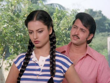 Rekha and Rakesh Roshan in Khubsoorat