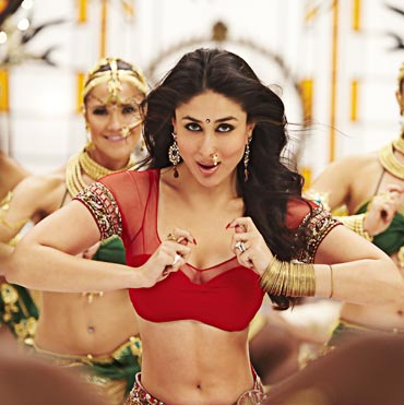 Kareena Kapoor as Chammak Challo