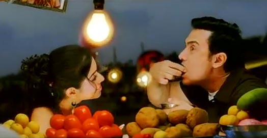 Asin and Aamir Khan in Ghajini