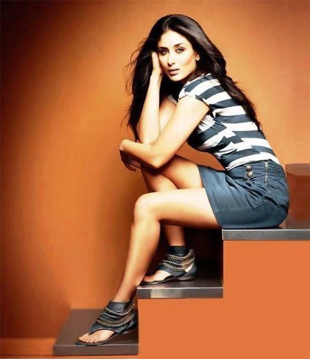 Kareena Kapoor in a Metro shoes ad