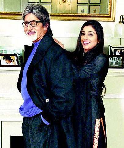 Amitabh Bachchan and Tabu in Cheeni Kum