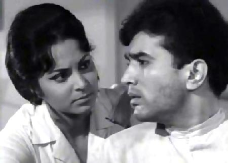 Waheeda Rehman and Rajesh Khanna in Khamoshi