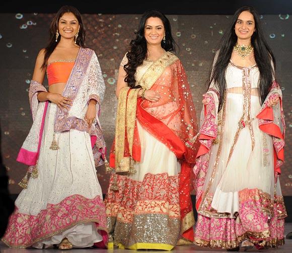 Tejaswini Kolhapure, Padmini Kolhapure and Shivangi Kapoor