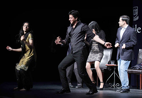 Shah Rukh Khan with Sarika Arya (left) and Nikhil Sud