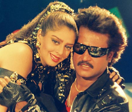 Nagma and Rajnikanth in Baasha