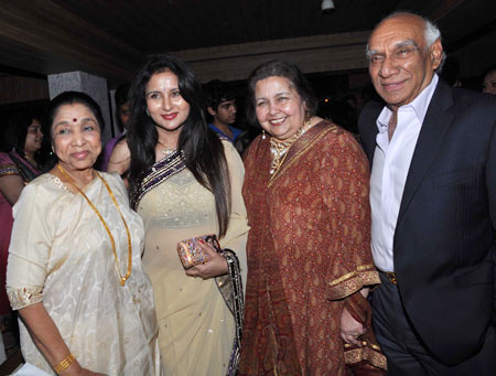 PIX: Stars attend Poonam Dhillon's 50th birthday bash ...