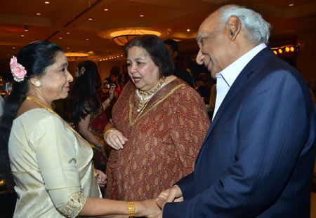 Asha Bhosle and Yash Chopra