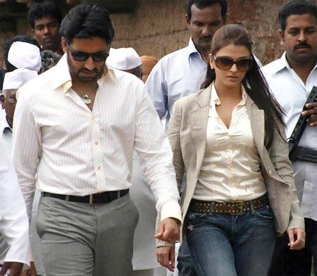 Abhishek Bachchan and Aishwarya Rai Bachchan in Sarkar Raaj