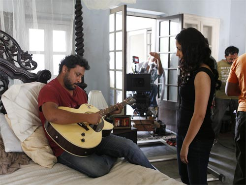 Shoojit Sircar and Yami Gautam on the sets of Vicky Donor