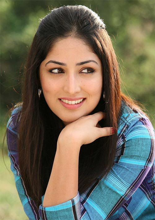 Yami Gautam Yami Gautam In Vicky Donor In Saree