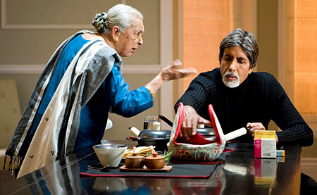 Zohra Sehgal and Amitabh Bachchan in Cheeni Kum