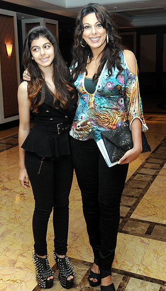 Pooja Bedi with daughter Aalia