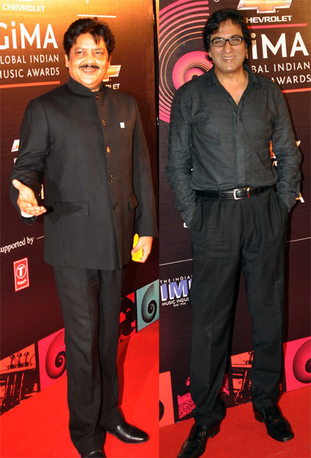 Udit Narayan and Talat Aziz