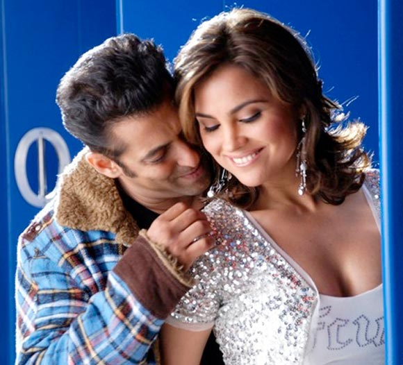 Salman Khan and Lara Dutta in Partner