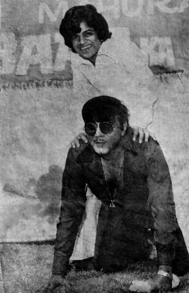 Junior Mehmood with his guru Mehmood