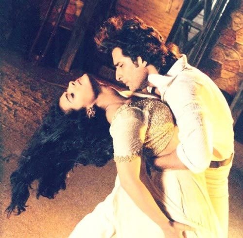 Kajol and Saif Ali Khan in Hamesha