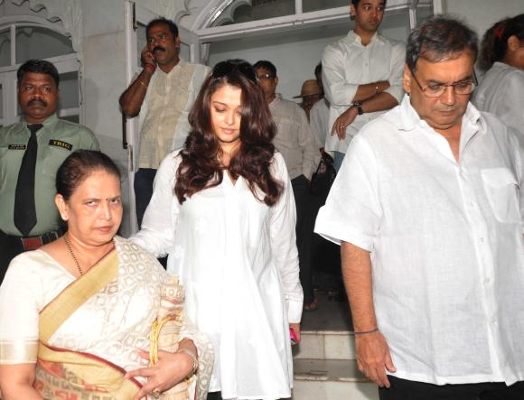 Aishwarya Rai Bachchan, mother Brinda Rai and Subhash Ghai
