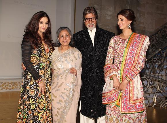 Aishwarya Rai, Jaya, Amitabh Bachchan and Shweta Bachchan Nanda