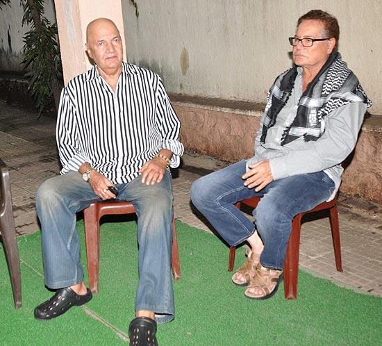 Prem Chopra and Salim Khan