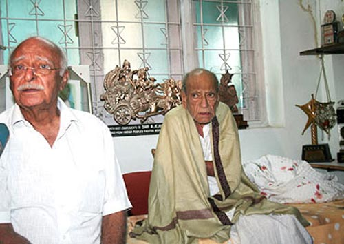 Vijay Hangal with his father A K Hangal