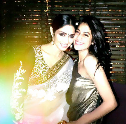 Sridevi with elder daughter Jahnvi