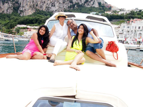 Sridevi with her girls and husband Boney Kapoor