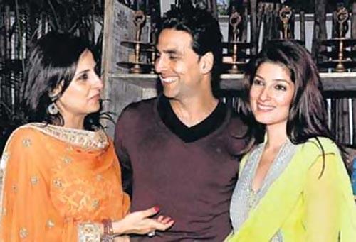 Akshay Kumar, Alka Kapoor and Twinkle Khanna