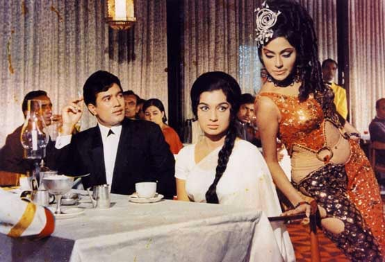 Bindu, Rajesh Khanna and Asha Parekh