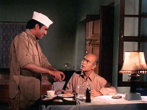 Rajesh Khanna and A K Hangal in Bawarchi