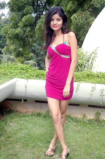 Gehana Vasisth to debut in Telugu film - Rediff.com movies