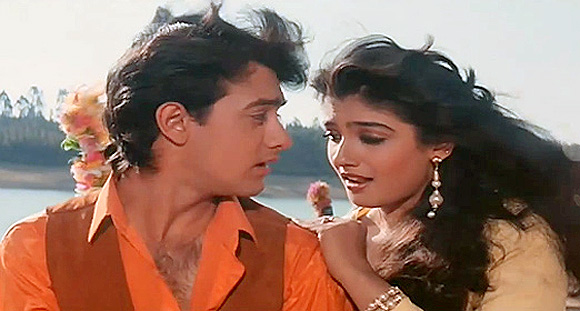 Aamir Khan and Raveena Tandon in Andaz Apna Apna