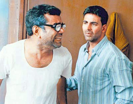 Paresh Rawal and Akshay Kumar in Hera Pheri