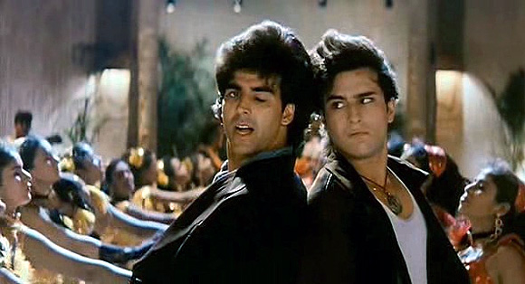 Akshay Kumar and Saif Ali Khan in Main Khiladi Tu Anari