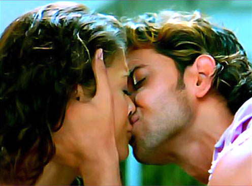Aishwarya Rai and Hrithik Roshan in Dhoom 2