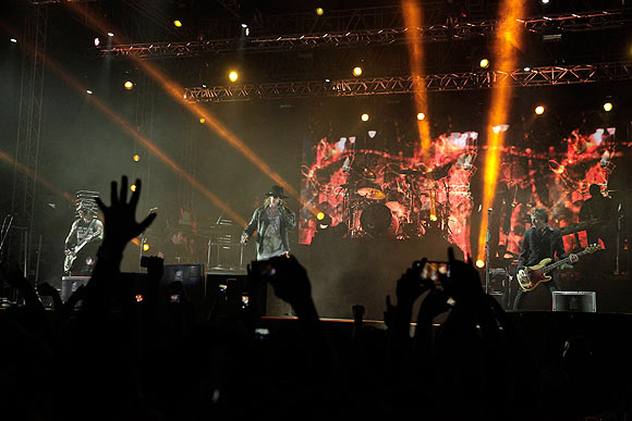 Axl Rose performs on stage at MMRDA grounds, Bandra Kurla Complex