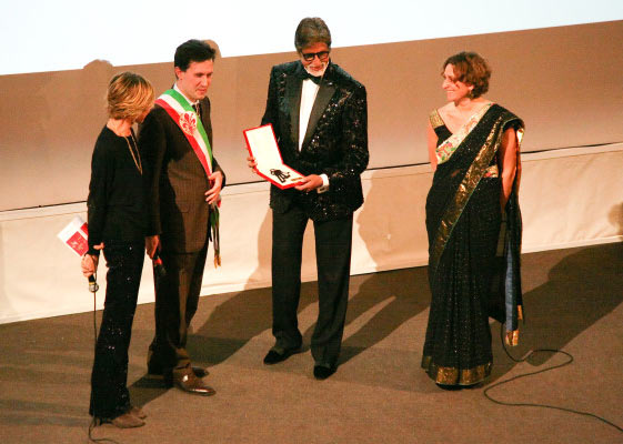 Amitabh Bachchan honoured at the Florence Film Festival
