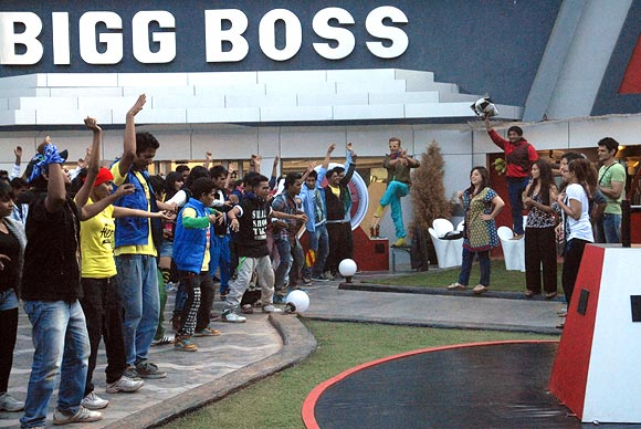 The flash mob at Bigg Boss house