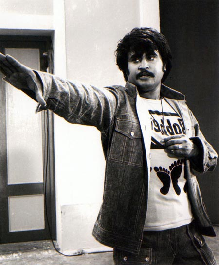 Murattu Kaalai Movie Stills: Rajinikanth's Top 12 Punch Lines