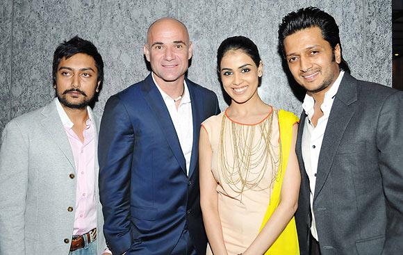 Dheeraj Deshmukh, Andre Agassi, Genelia D'souza, Ritesh Deshmukh