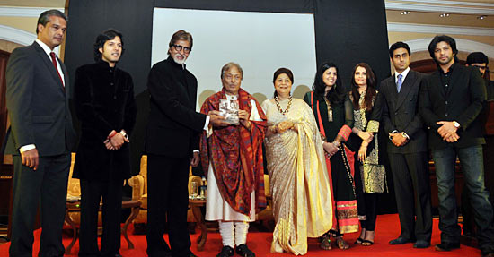 Ayaan Ali Khan, Amitabh Bachchan, Amjad Ali Khan,  Subhalakshmi, Neema Sharma, Aishwarya Rai, Abhishek Bachchan, Amaan Ali Khan
